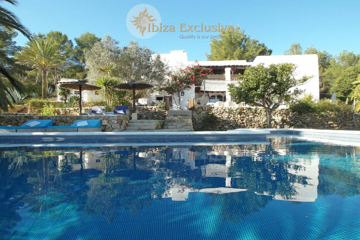 In the West of Ibiza: Marvellous finca close to San José
